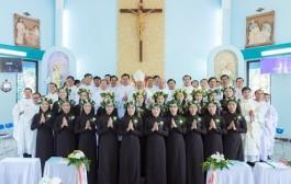 Video: Thánh lễ tuyên khấn lần đầu và trọn đời 2018